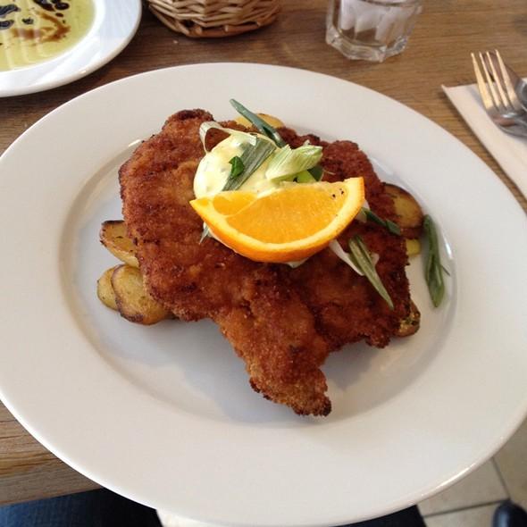 Wiener Schnitzel @ SCHOENHOUSE APARTMENTS
