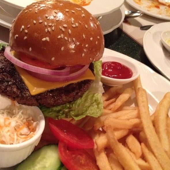 Burger @ Main Street Corner Cafe 大街餐廳
