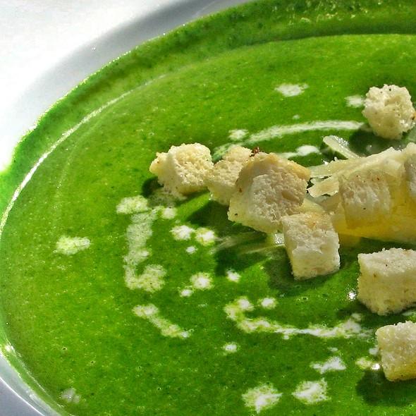 Cream Of Spinach Soup @ Ristorante Mangiamo