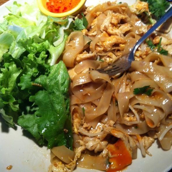 F11 Chicken @ Madam Mam's Noodles & More II