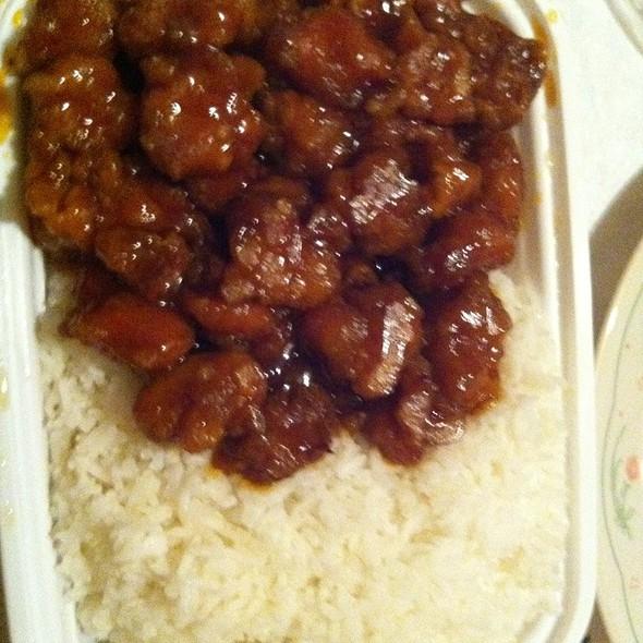 General Tso's Chicken @ Taste Of China