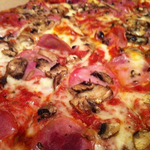 Canadian Bacon & Mushroom Pizza @ Fuzzy's Pizza