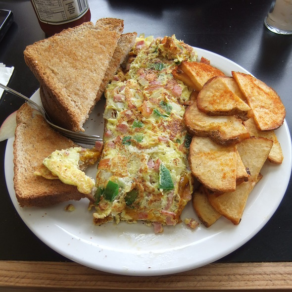 Breakfast Omelette @ Woody Rhodes Breakfast Emporium