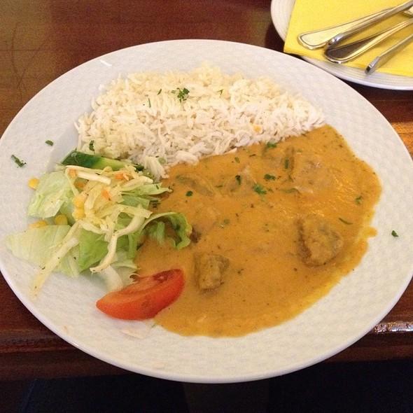 Lammfleisch In Erdnuss-Curry-Sauce @ Aapka