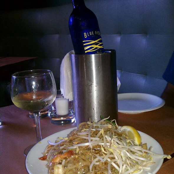 Fried rice and shrimp w/wine @ Joya