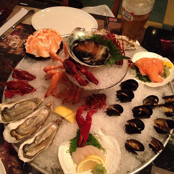 Seafood Platter @ Cafe Deco Bar & Grill (international) - The Peak