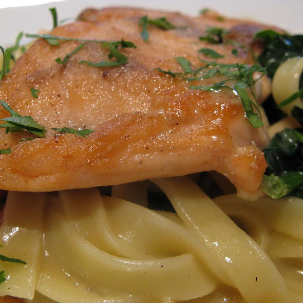 Fillet of Salmon with Ginger-Orange Sauce and Spinach @ Gusto Fino Inhaber Goffredo