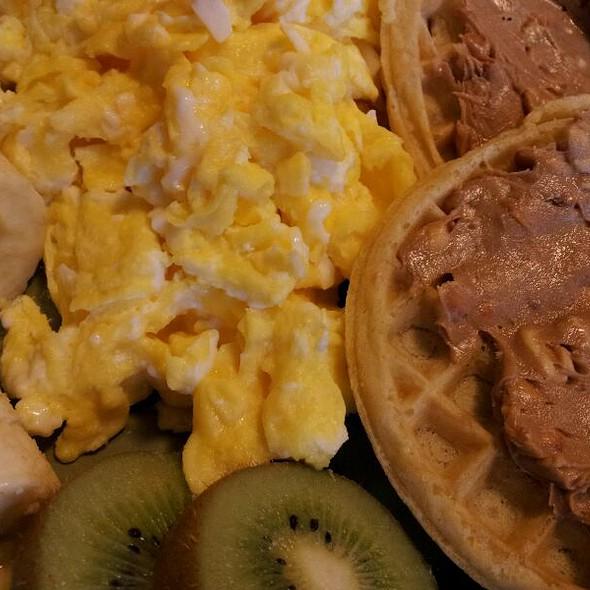 Breakfast @ Tony & Michelle's Kitchen