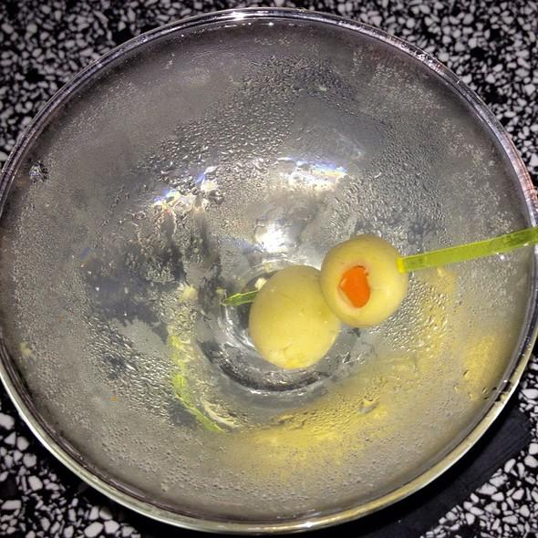Dirty Martini @ Bar O