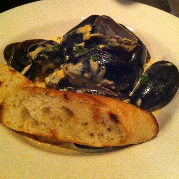 Steamed Mussels @ 1300 on Fillmore