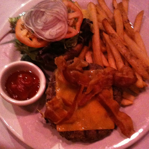 Sirloin Burger @ Jillian's