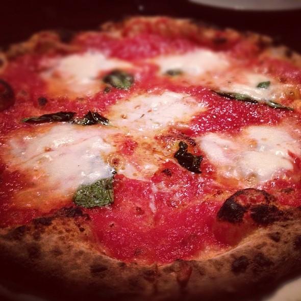 Pizza Margherita @ Zero Zero