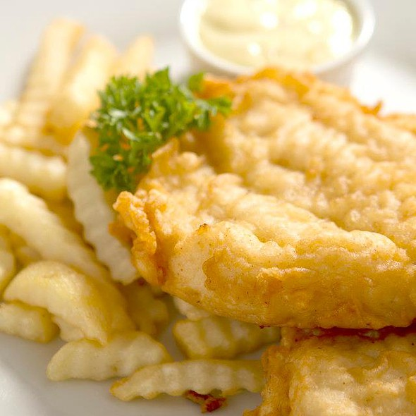 Fish & Chips @ Bugsy's Bar & Bistro