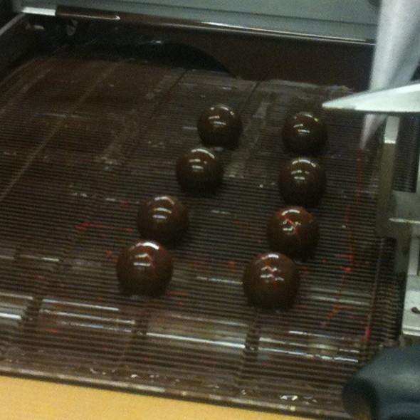 Sweet Balls Of Sweetness  @ Konditorei Cafe Leo Jindrak
