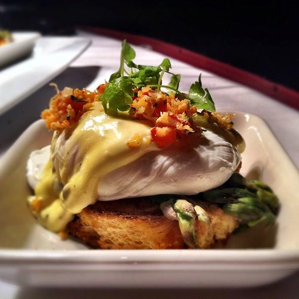East Coast Lobster Eggs Benedict @ The Fairmont Royal York