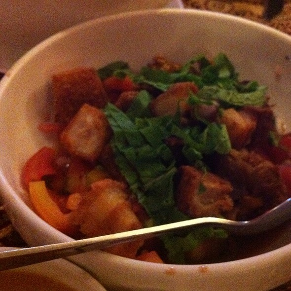 Bagnet Salad @ Cafe Juanita