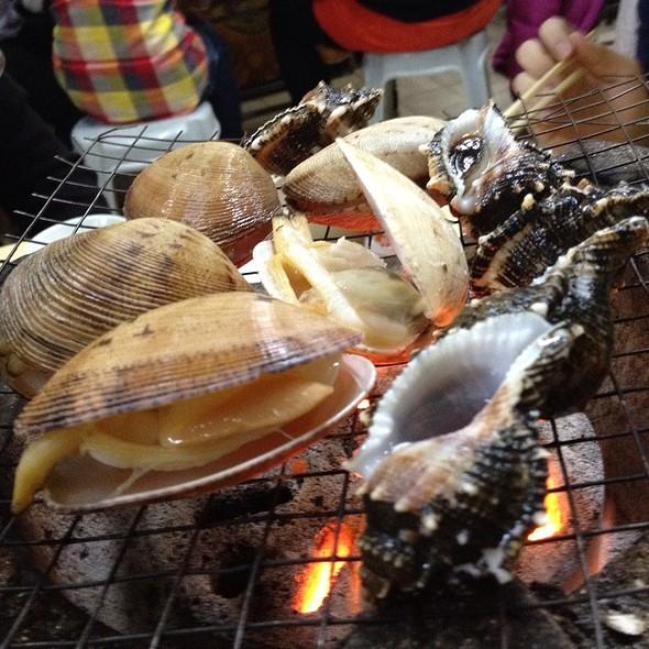 BBQ Seafood grill @ 鴻福海鮮四季火鍋