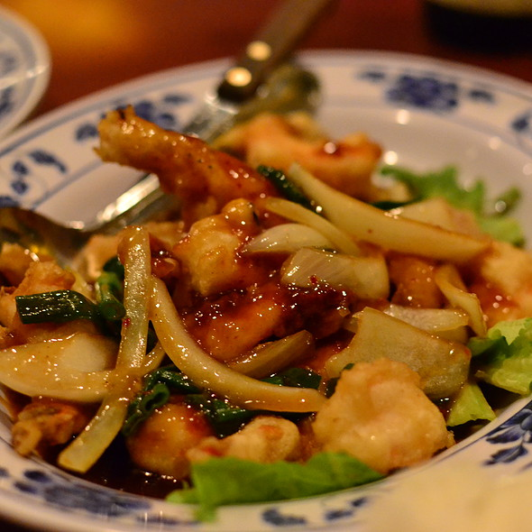 Fried Prawns in Tamarind Sauce (Tôm Rang Sốt Me)