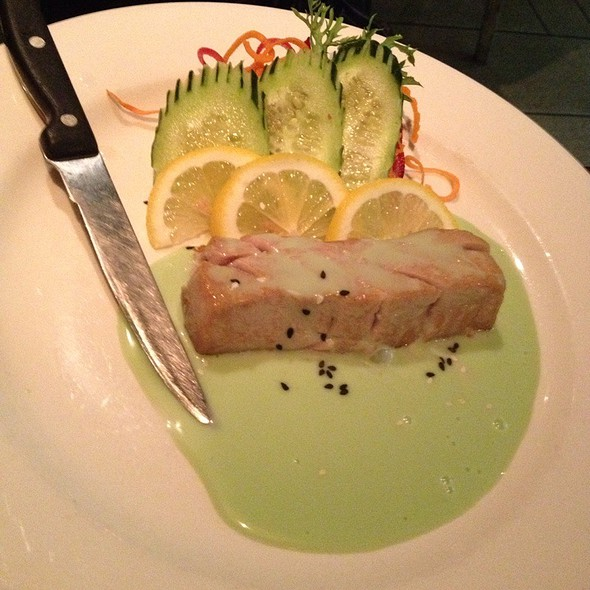 Seared Tuna With Wasabi Aioli @ Thai Select