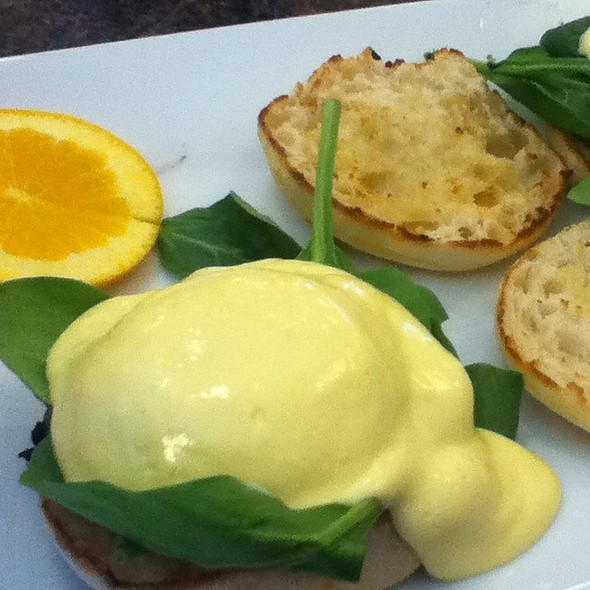 Eggs Benedict With Portabella And Spinach @ Blue Spoon Cafe