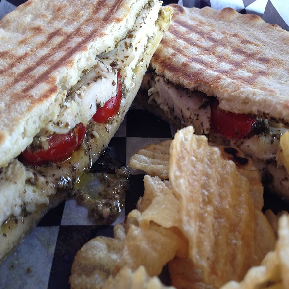 Pesto & Fresh Tomato Mozzarella Chicken Sandwich