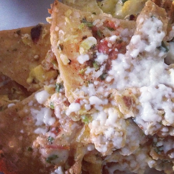 Chilaquiles @ Pinches Tacos
