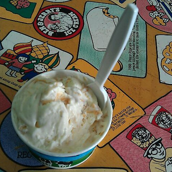 Banana Peanut Butter Greek Frozen Yogurt @ Ben & Jerry's