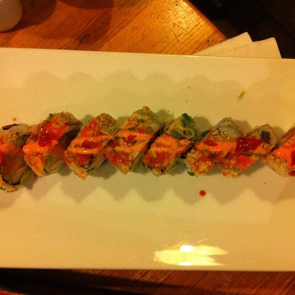 Osaka Roll @ Yuraku Japanese Restaurant