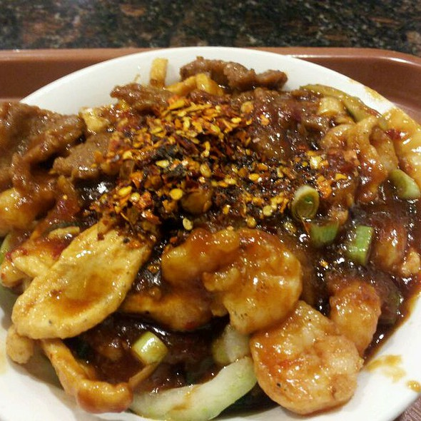 Double Spicy Beef, Chicken,& Shrimp @ Chinese Cafe