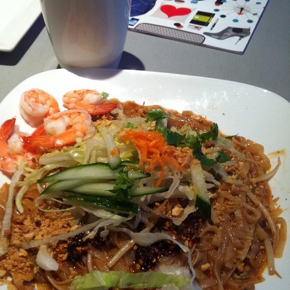 Pad Thai @ Mango Thai & Pan-Asian Cuisine