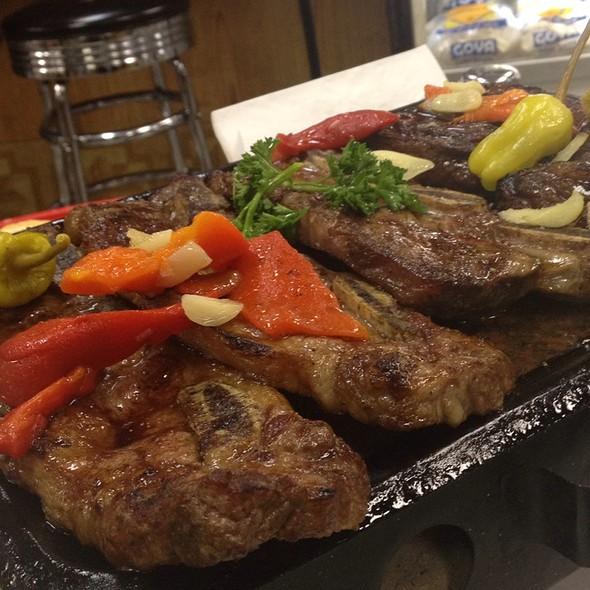 Paradilla De Carne @ Mercado Buenos Aires