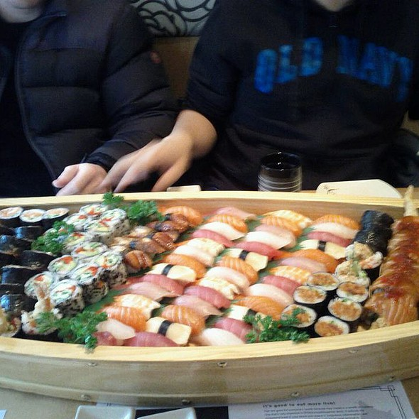 Sushi Boat @ Mi-Ne Japanese Restaurant