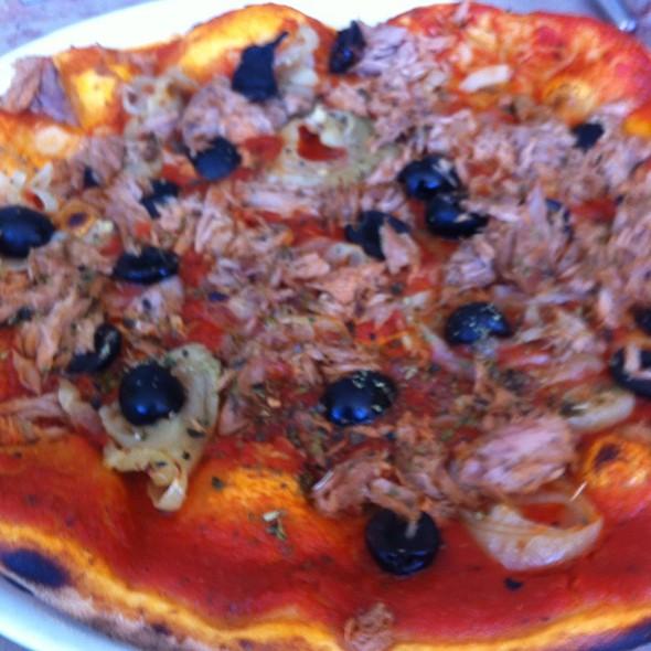 Pizza Siciliana @ Restaurante Casanova