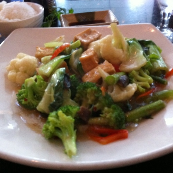 Mixed Vegetables With Tofu And Spicy Basil Sauce - Pacific Rim Bistro, Atlanta, GA