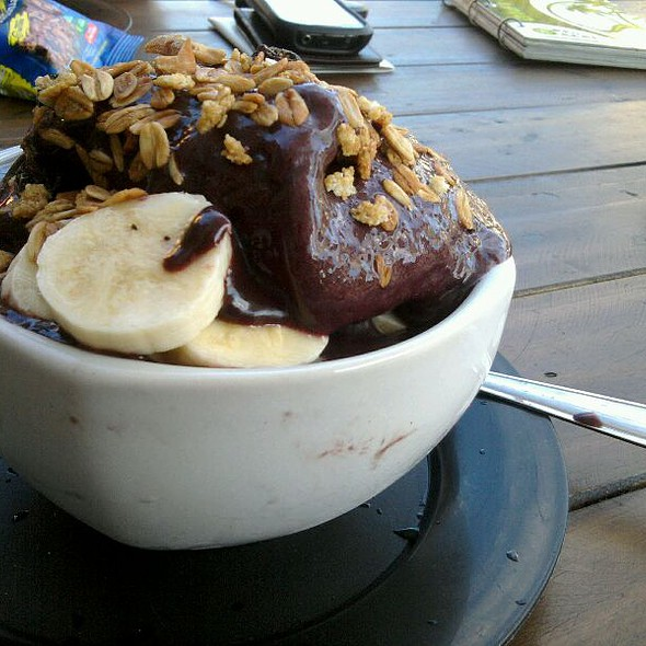 Açaí Bowl @ Point Do Açaí