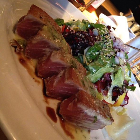 Sashimi Tuna Salad @ Houston's Restaurant