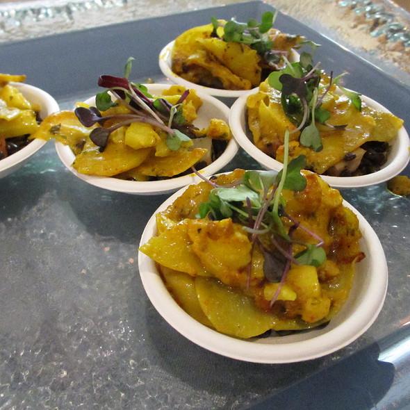 Tumeric Roasted Cauliflower Gratin with Lentils