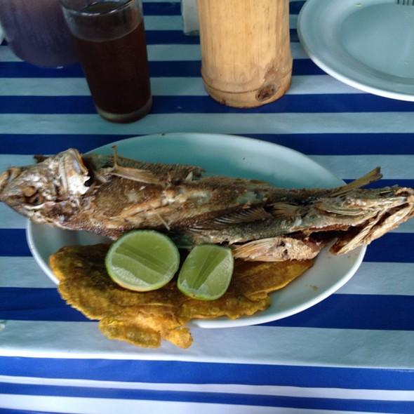 Roncador ( Pescado Frito) @ Pobre Juan