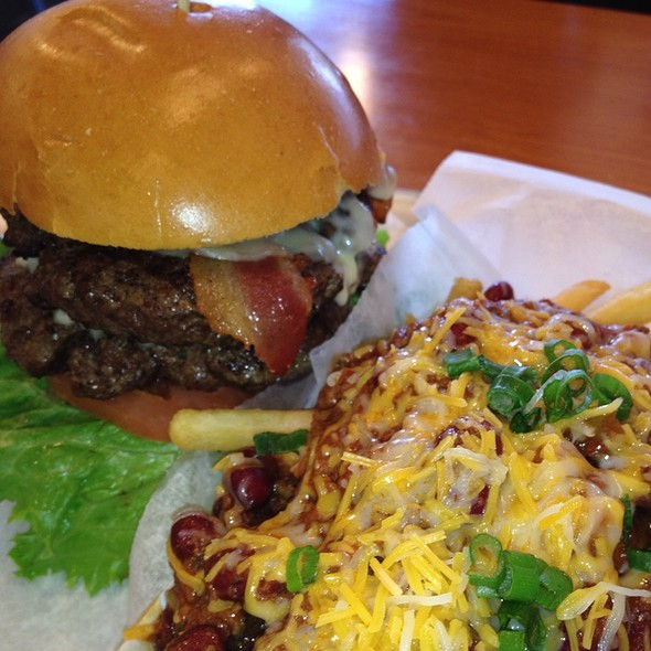 Double Bacon Cheeseburger And Chili Cheese Fries @ Firebox Grille