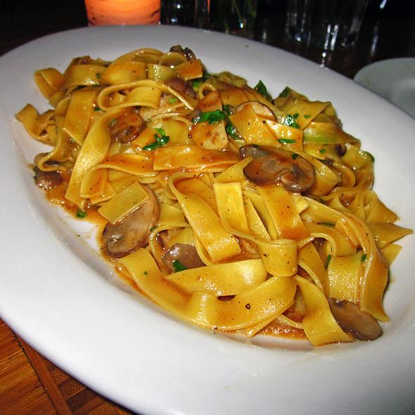 Fettuccine Al Funghi @ Tre Restaurant and Wine Bar
