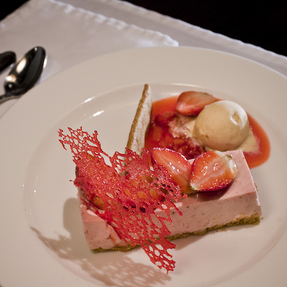 strawberry icebox cake @ Bern's Steak House
