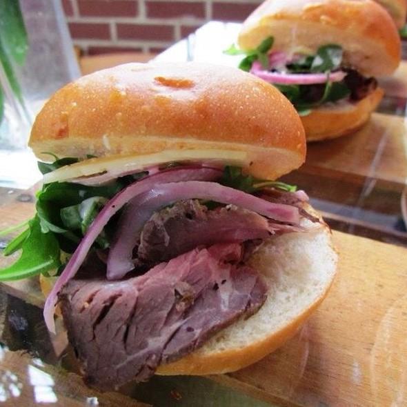 Roast Beef Sandwich With Horseradish Buttermilk Sauce @ The Hungry Peach