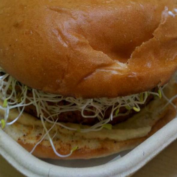 """""""Faux""""lafel Burger @ 3-Sum Eats"""