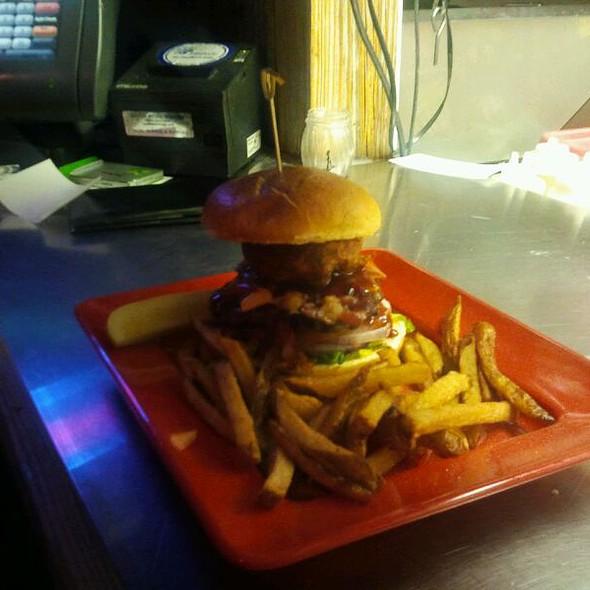 Hamburger @ Nauti Mermaid