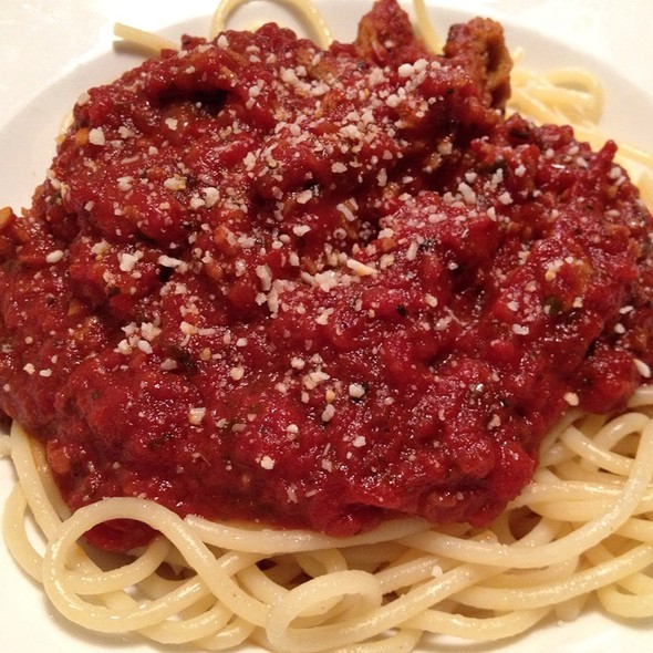 Spaghetti With Meat Sauce @ Mama Baris