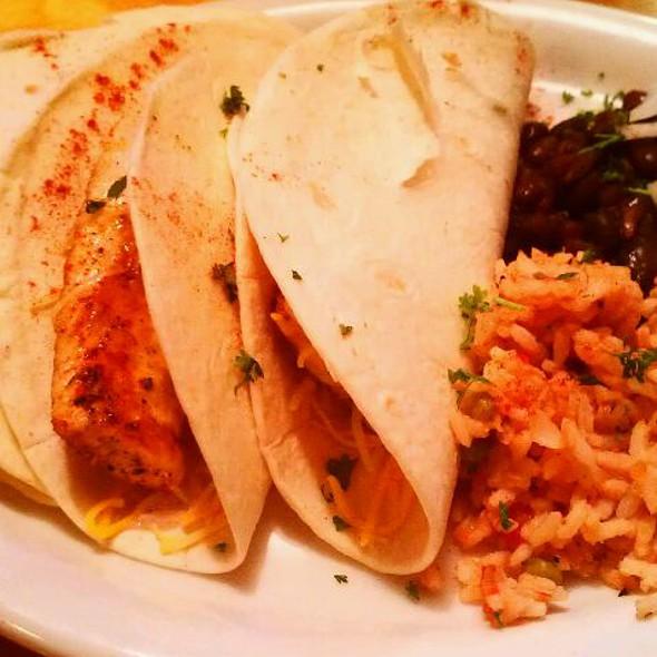 fish tacos @ Cabos Tacos