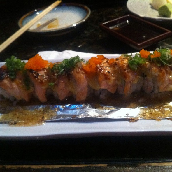 Baked Special Salmon Roll @ Sushi Planet