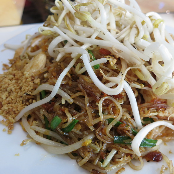 Chicken Pad Thai @ Siam House