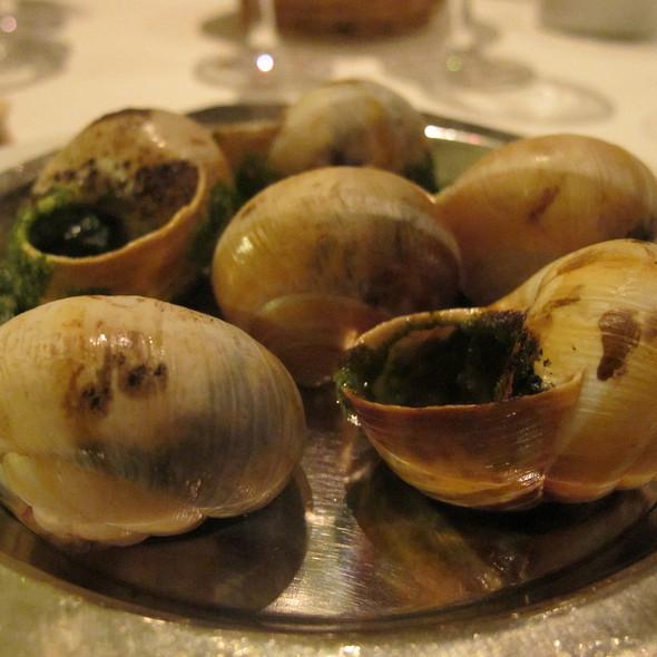 Escargots A La Bourguignonne @ Brasserie Gavroche