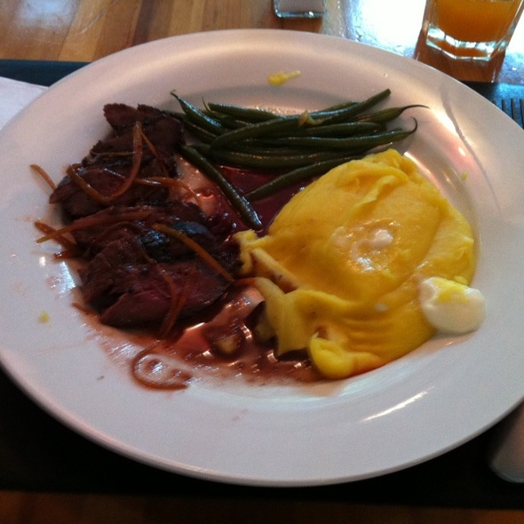 Cumberlad Sauce Duck Brest with Green Beans and Mascapone Mandioquinha Puree @ Spot